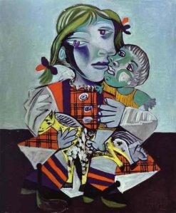 Maya la hija de picasso con una muñeca.