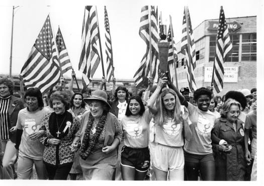 Protesta de la now por la igualdad con Betty Friedan