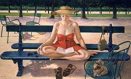Mujer leyendo despreocupada